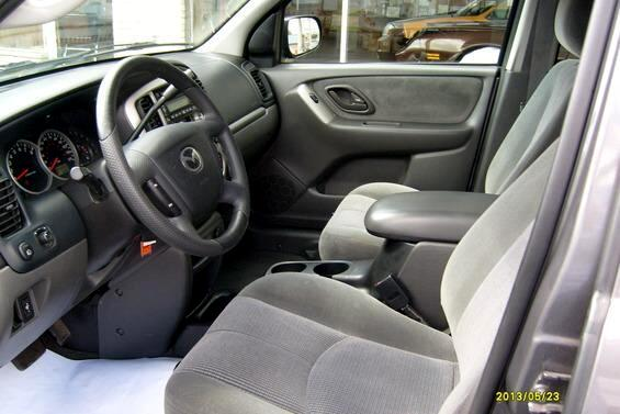 2004 Mazda Tribute LX 4WD