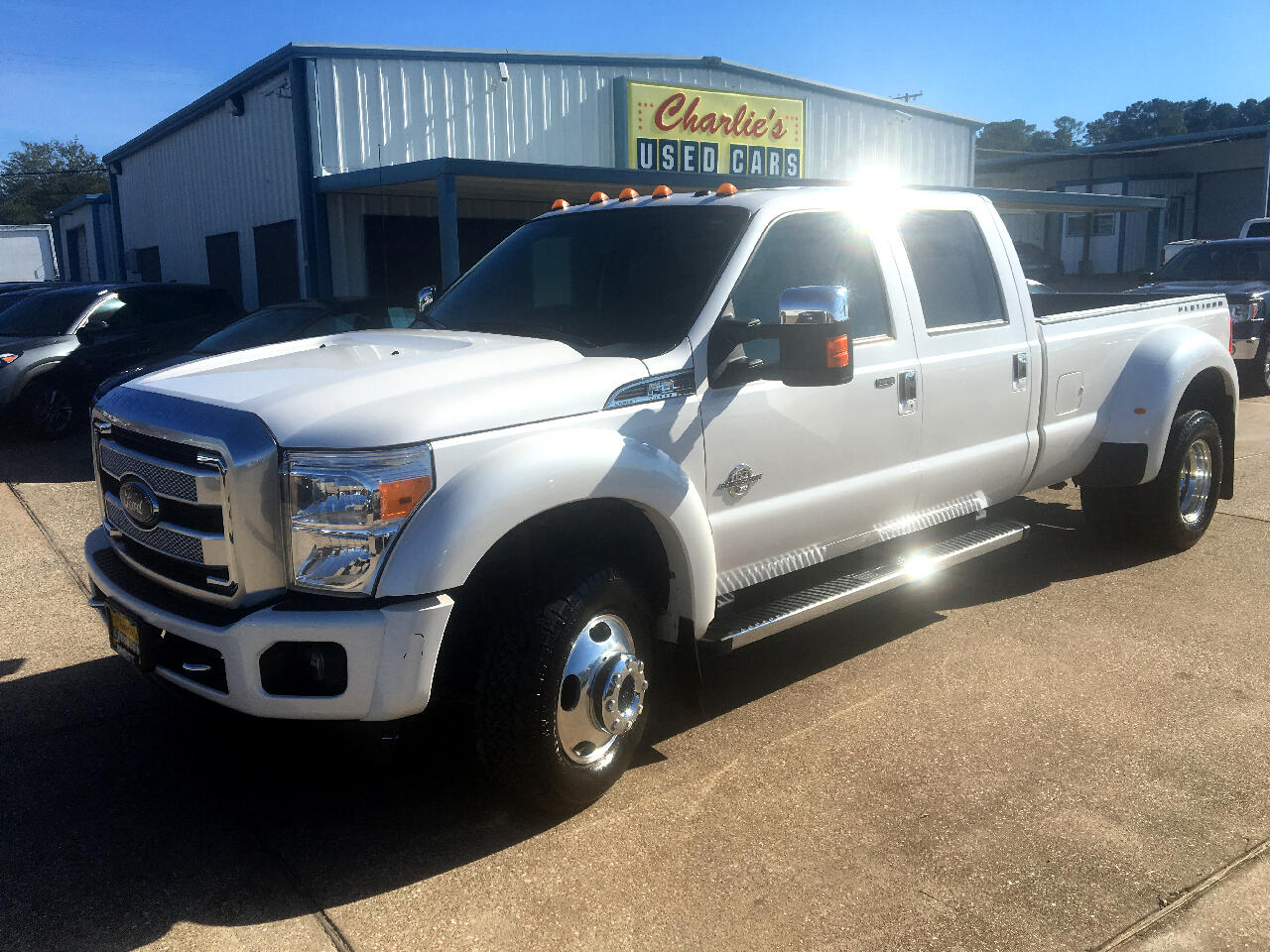 "2016 Ford Super Duty F-350 DRW 4WD Crew Cab 172"" Platinum"