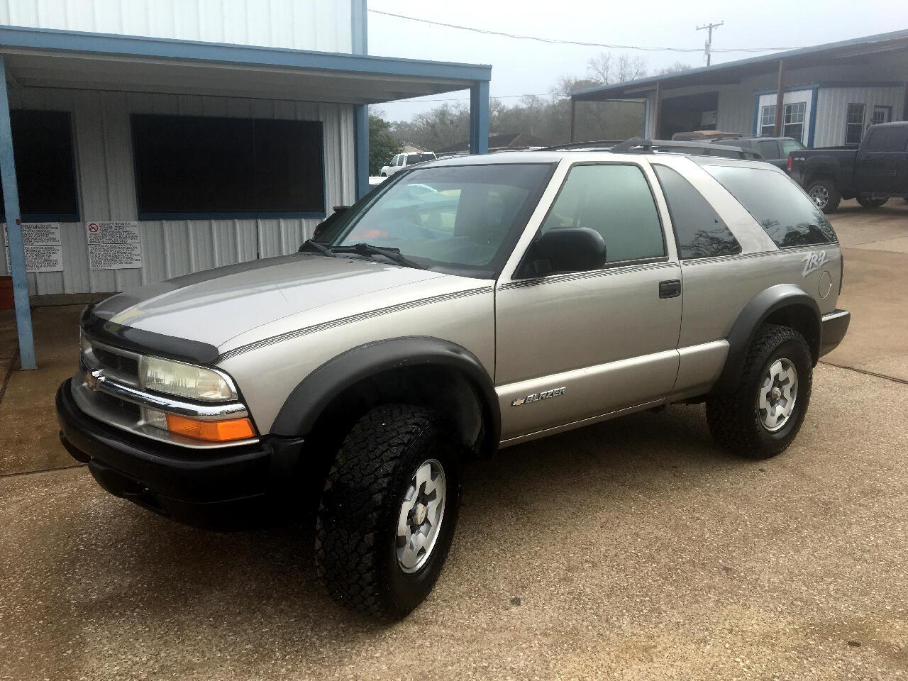 2004 Chevrolet Blazer 2dr 4WD LS