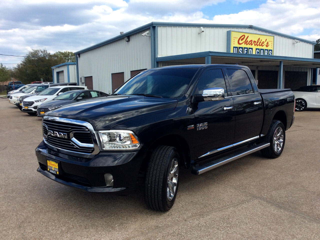 "RAM 1500 Limited 4x2 Crew Cab 5'7"" Box 2017"