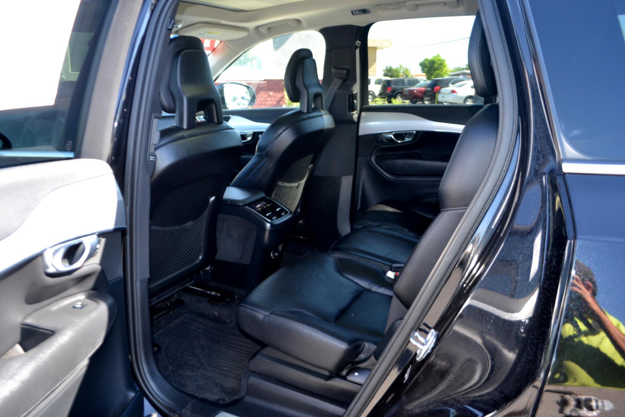 2016 Volvo XC90 T6 Momentum AWD