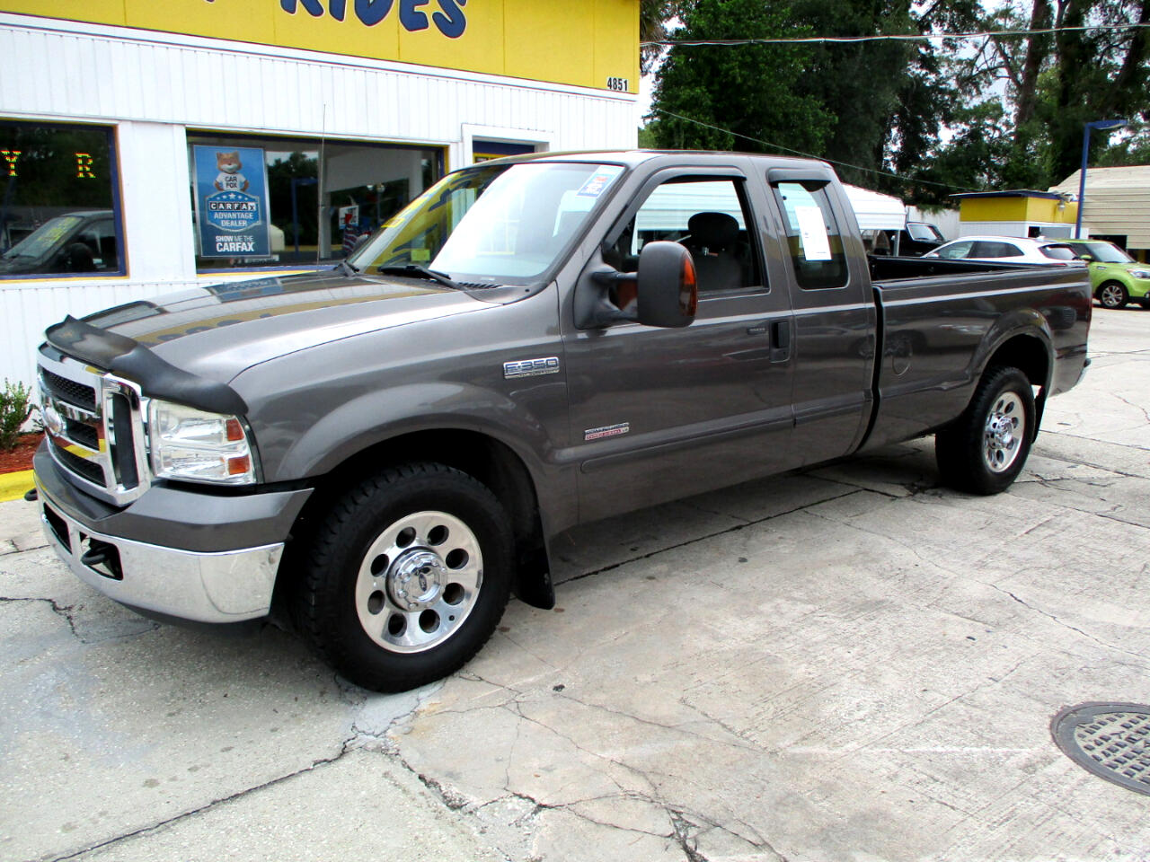 2005 Ford F-350 SD Lariat SuperCab 2WD