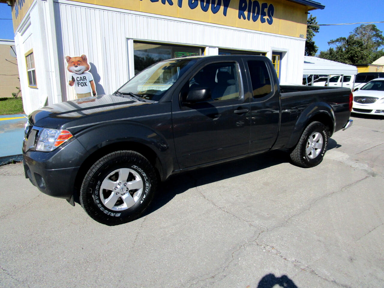 Nissan Frontier SV I4 King Cab 2WD 2013