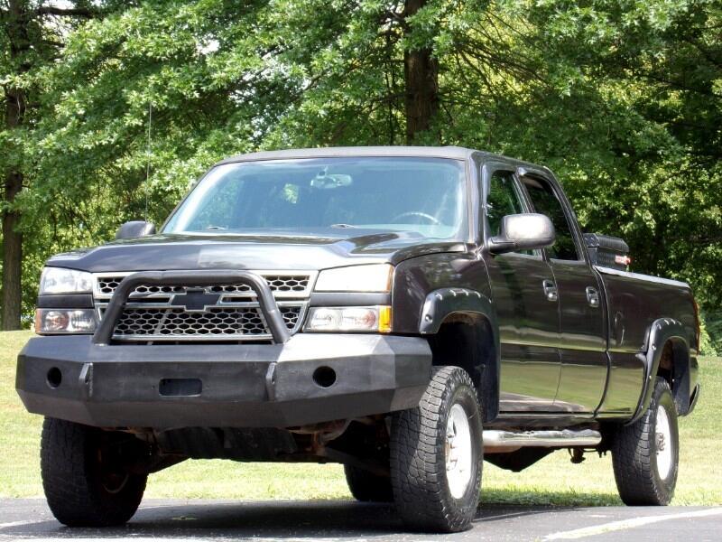 Chevrolet Silverado 2500HD Crew Cab 4WD 2005