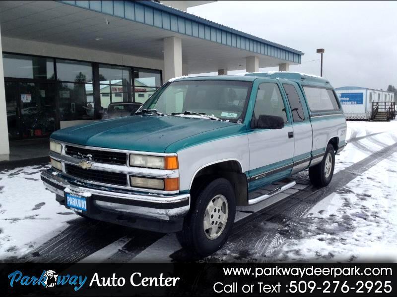 "Chevrolet C/K 1500 Ext Cab 141.5"" WB 4WD 1995"