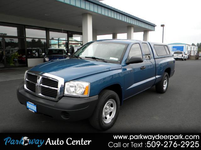 2005 Dodge Dakota ST Club Cab 2WD