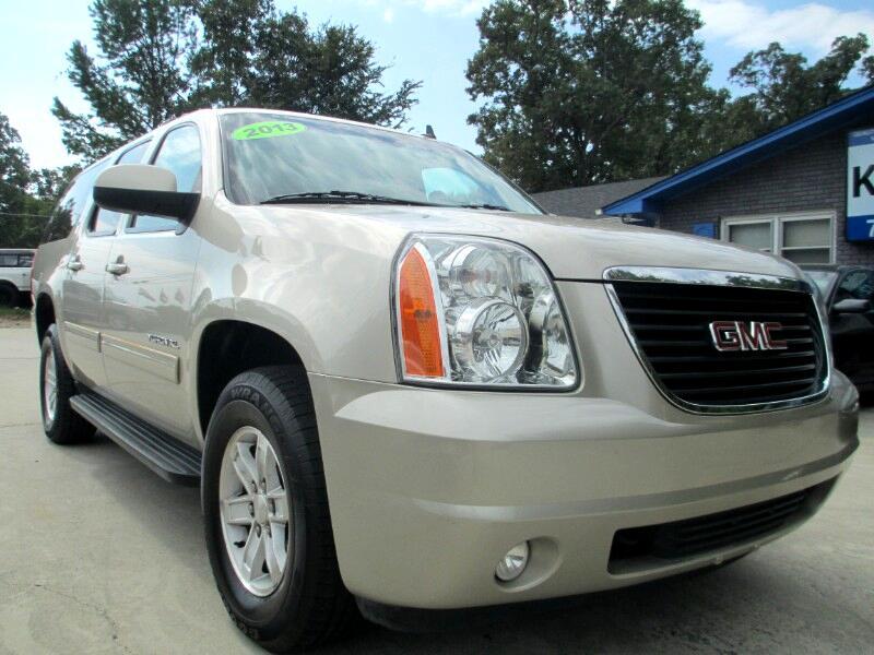 GMC Yukon XL SLT 1/2 Ton 4WD 2013
