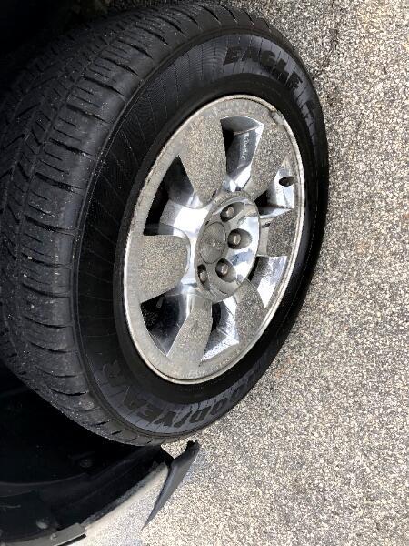 2011 GMC Sierra LT Leather Crew Cab Crome Wheels