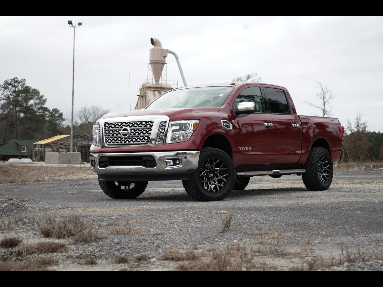 2017 Nissan Titan 4wd Crew Cab Loaded SL Lifted Hurry!