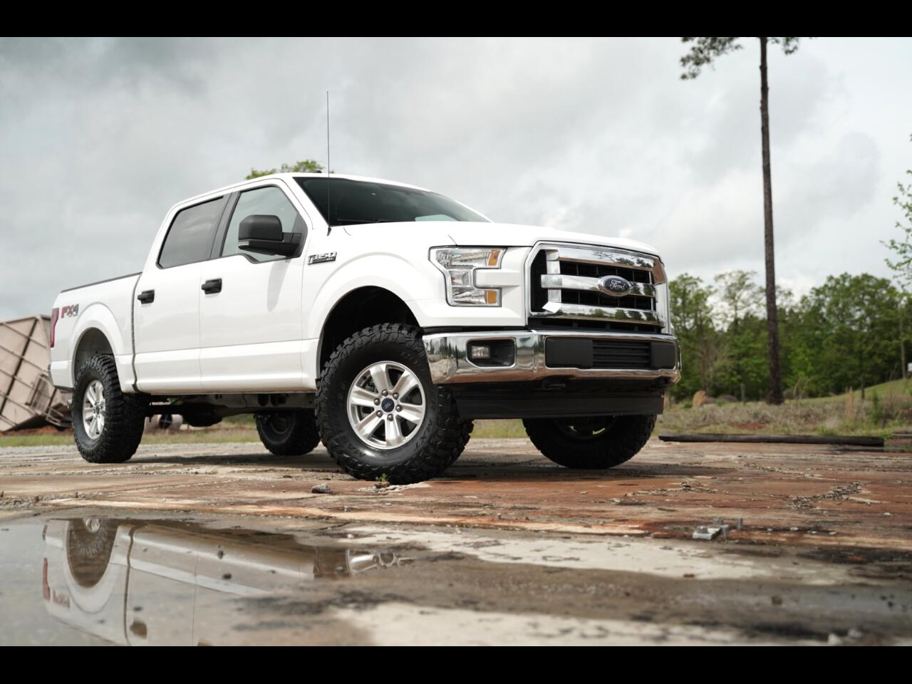 2017 Ford F-150 FX4 Leather Super Crew 5.0 Lifted MXT's Hurry!!!