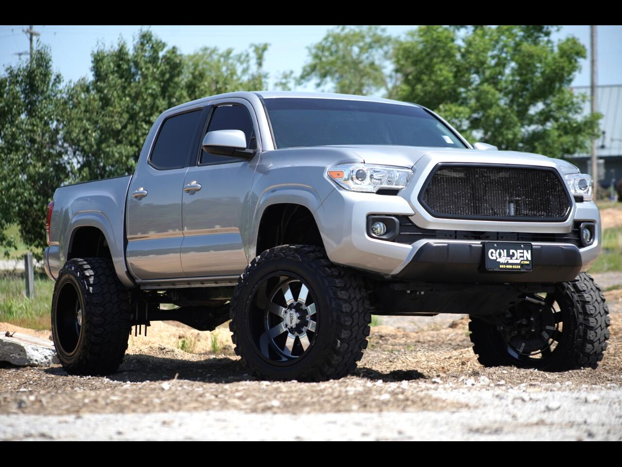 2017 Toyota Tacoma Lifted Moto Metal Tons of Extras