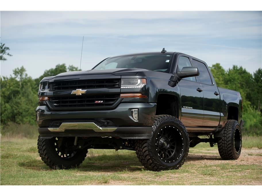 2018 Chevrolet Silverado 1500 4WD Crew Cab LT Loaded Lifted Awesome Color! Hurry