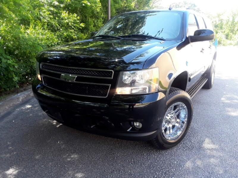2007 Chevrolet Suburban 4WD 4dr 2500 LT w/1LT