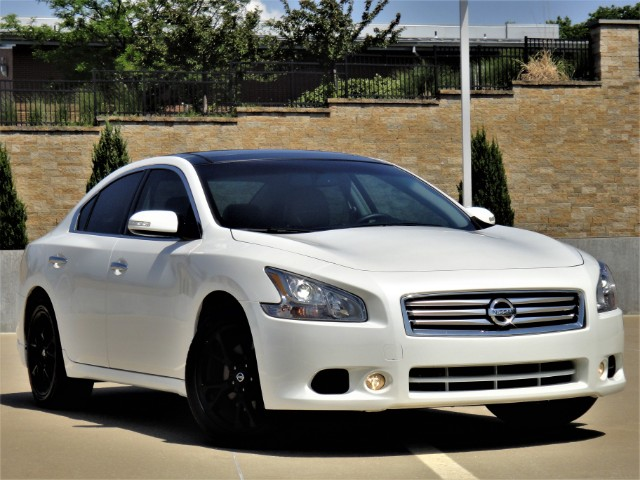2014 Nissan Maxima SV with Premium Package