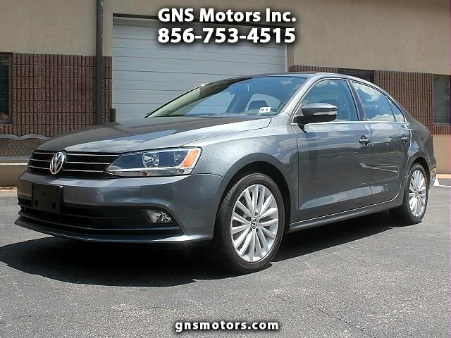 2015 Volkswagen Jetta SE with NAVIGATION and CONECTIVITY