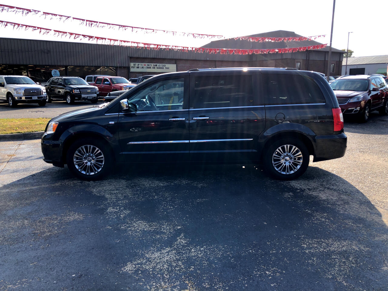 Chrysler Town & Country 4dr Wgn Touring-L 30th Anniversary 2014