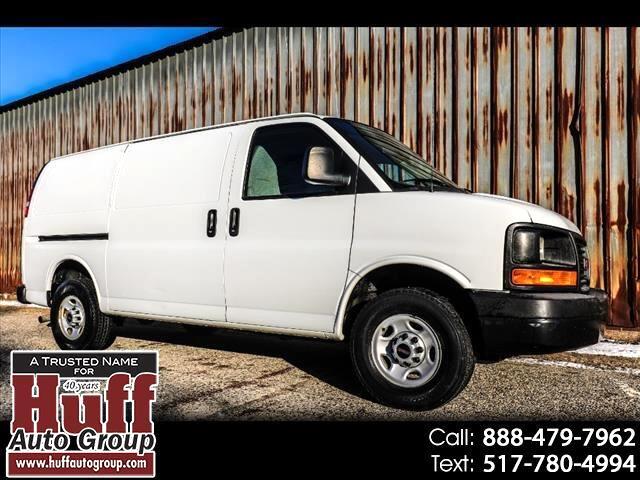 "GMC Savana Cargo Van RWD 2500 135"" 2011"