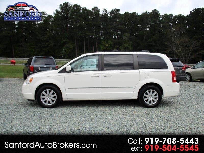 2010 Chrysler Town & Country Plus