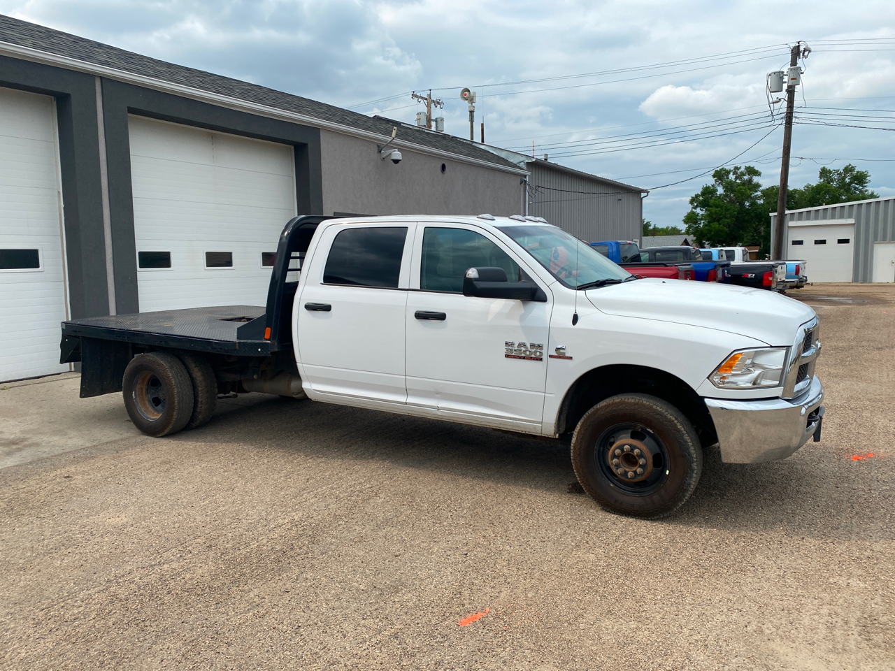 "RAM 3500 Chassis Cab SLT 4WD Crew Cab 60"" CA 172.4"" WB 2018"