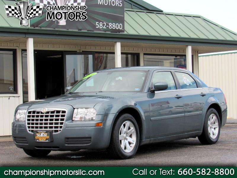 2006 Chrysler 300 4dr Sdn 300