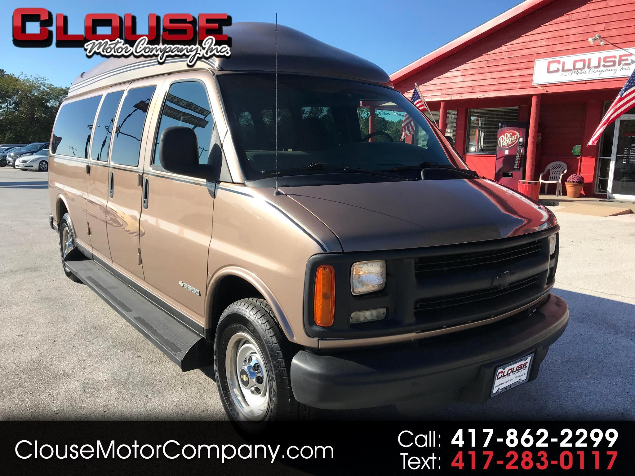 "Chevrolet Express Van 3500 155"" WB 2002"