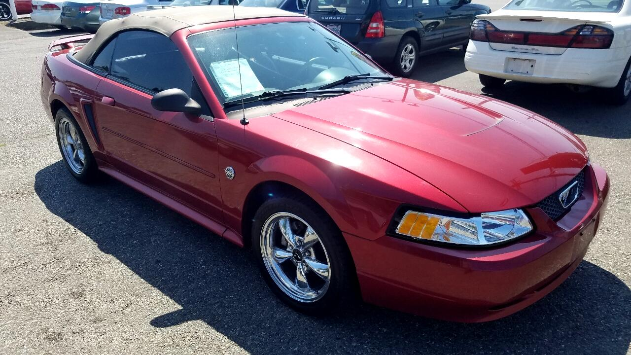 2004 Ford Mustang 2dr Conv Deluxe