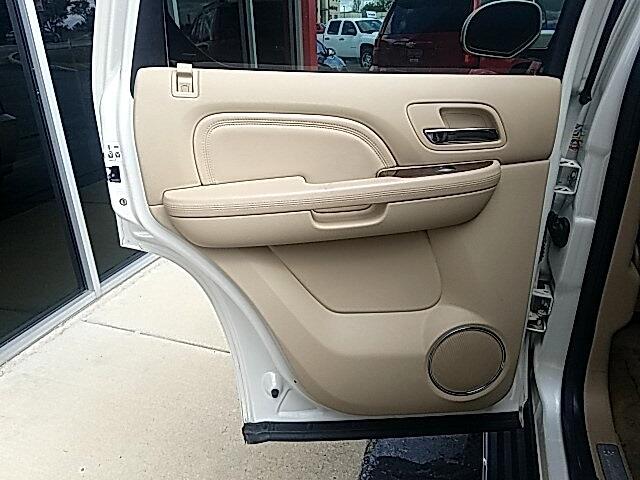 Cadillac Escalade  2012