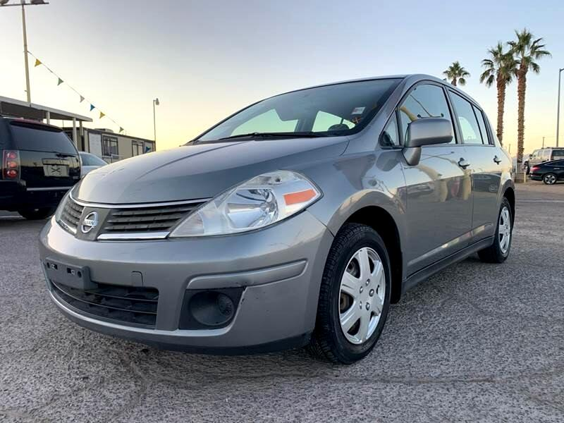 Nissan Versa 1.8 S 2008