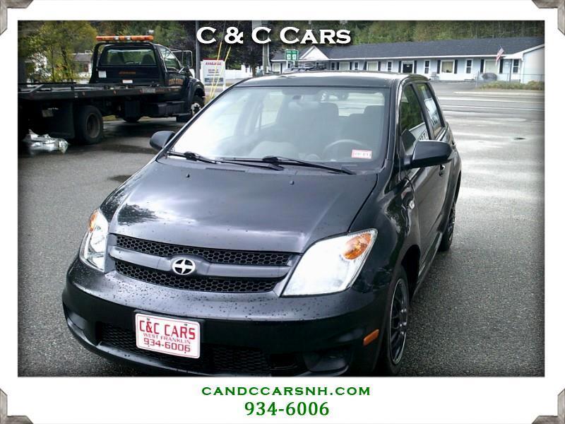 Scion xA Hatchback 2006