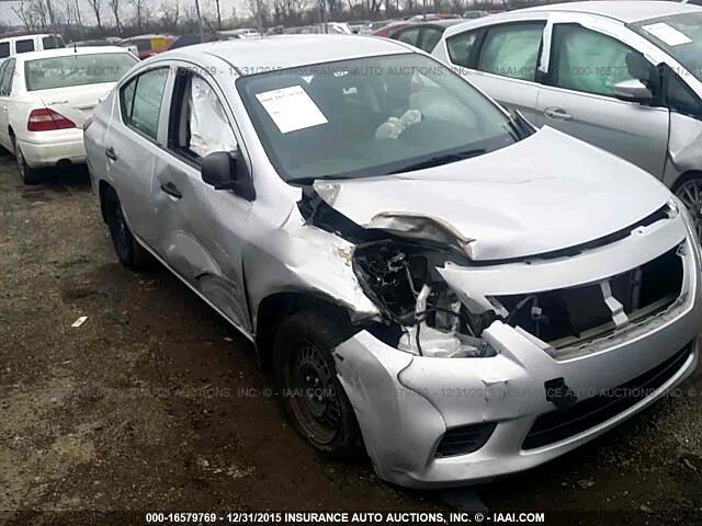 Nissan Versa 1.6 S Plus 2013