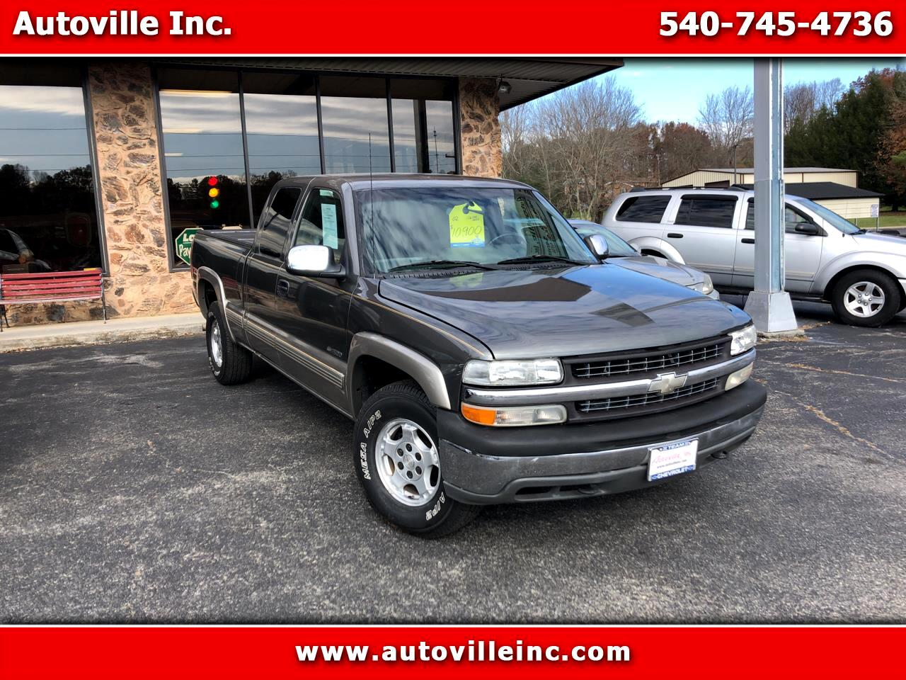 Chevrolet Silverado 1500 LS Ext. Cab Short Bed 4WD 2002