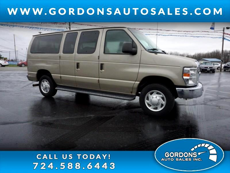 2014 Ford E-350 Super Duty Econoline Club Wagon XLT   12 Passenger