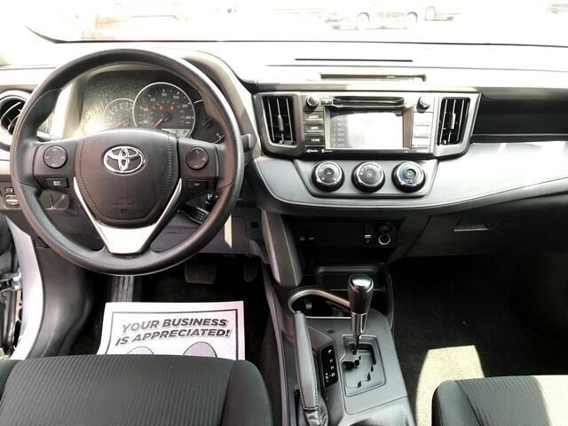 Toyota RAV4 LE AWD 2016