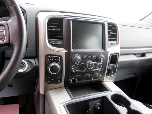RAM 1500 SLT Crew Cab SWB 4WD 2014