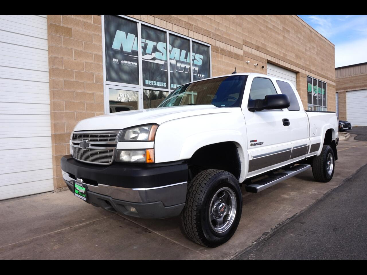 Chevrolet Silverado 2500HD LT Ext. Cab Long Bed 4WD 2005