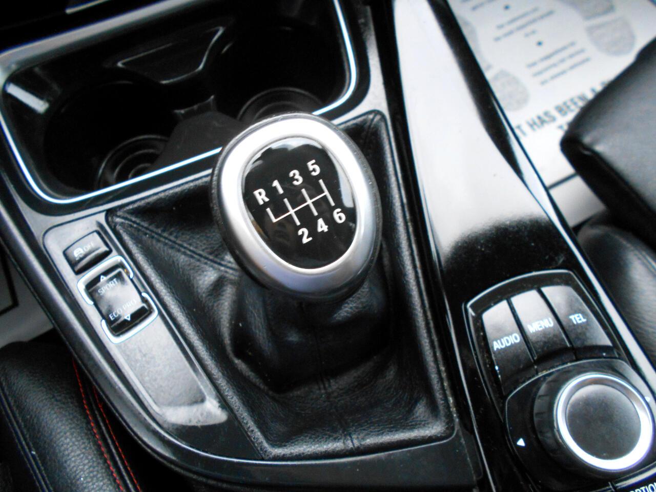 BMW 3 Series 4dr Sdn 328i RWD 2012